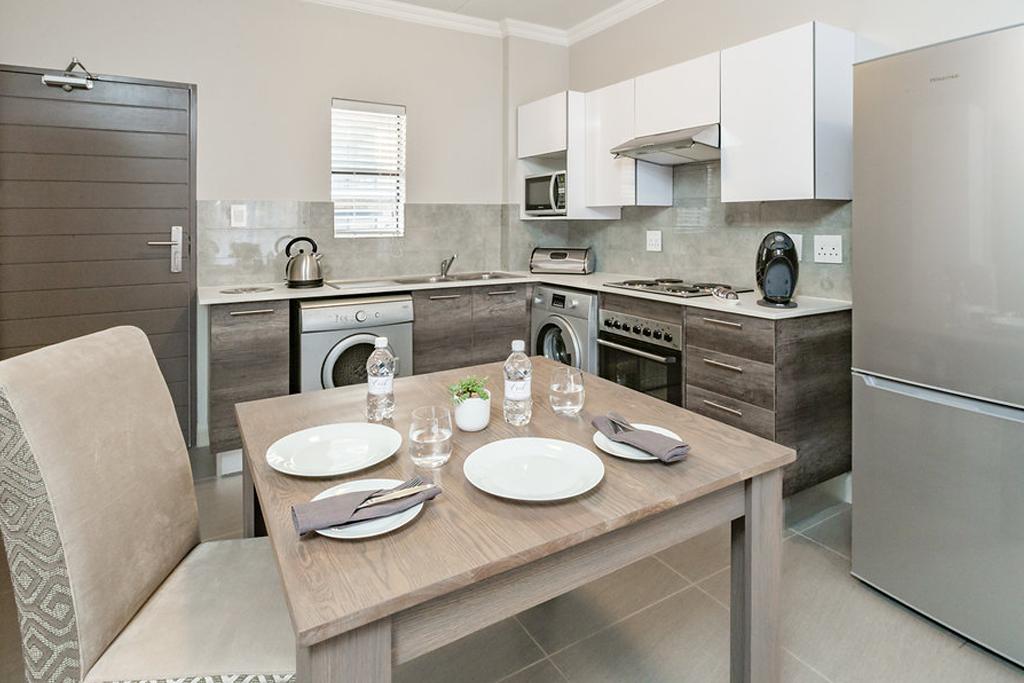 Lux-1-bed-kitchen-2