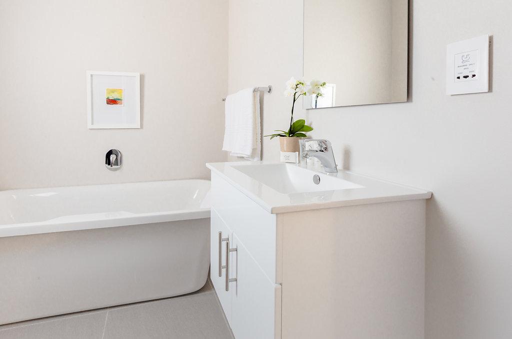 standard bathroom 27